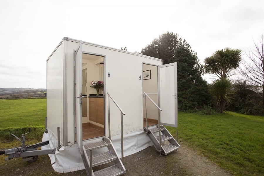 Cornwall Conveniences CC100 Wedding Toilet for Hire